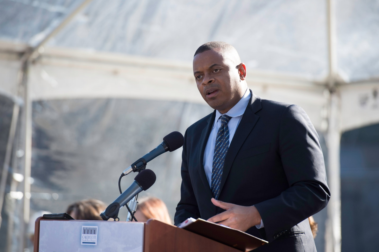 Photo of Secretary Foxx at Caldecott opening