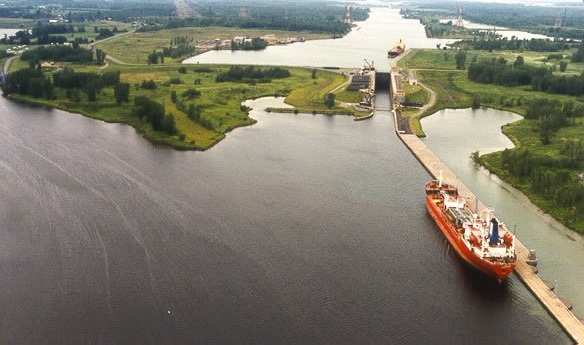 Photo of a ship transiting Eisenhower Lock on the Saint Lawrence Seaway