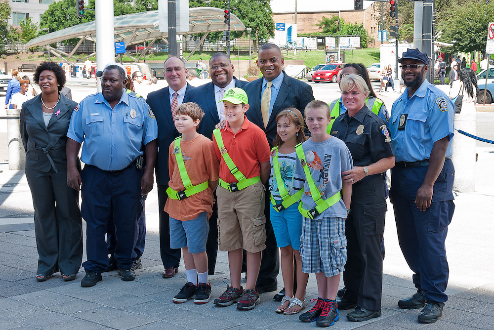Photo of Secretary Foxx with children of the safety patrol