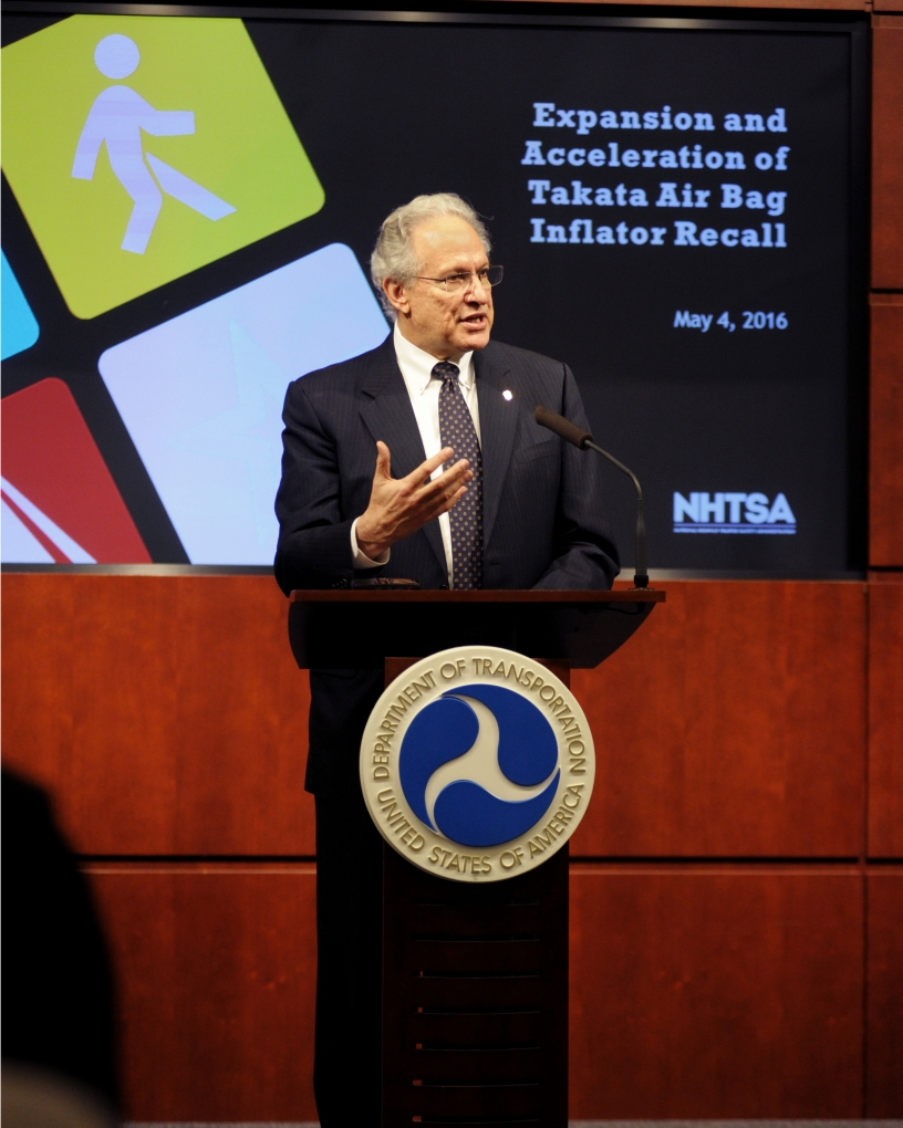 Photo of NHTSA Administrator Mark Rosekind speaking