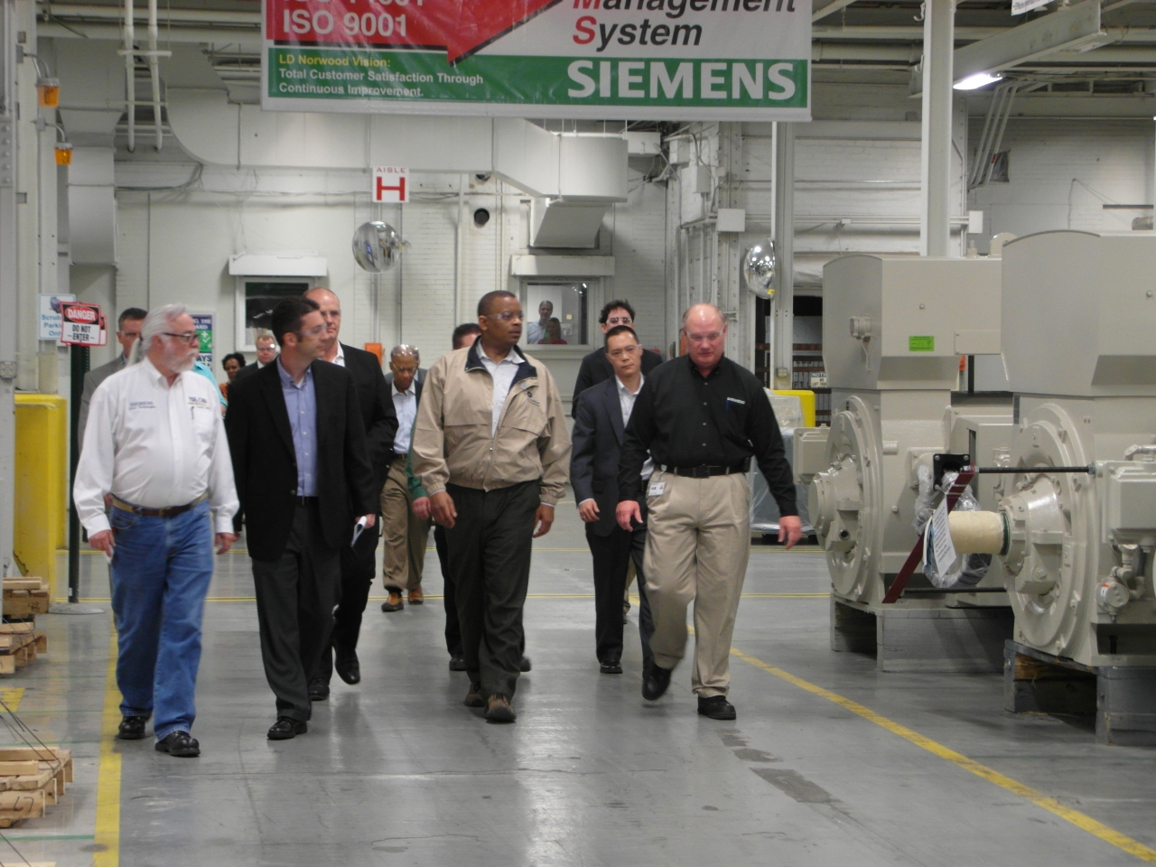 Secretary Foxx taking a tour of Siemens' Norwood Motors Manufacturing Facility