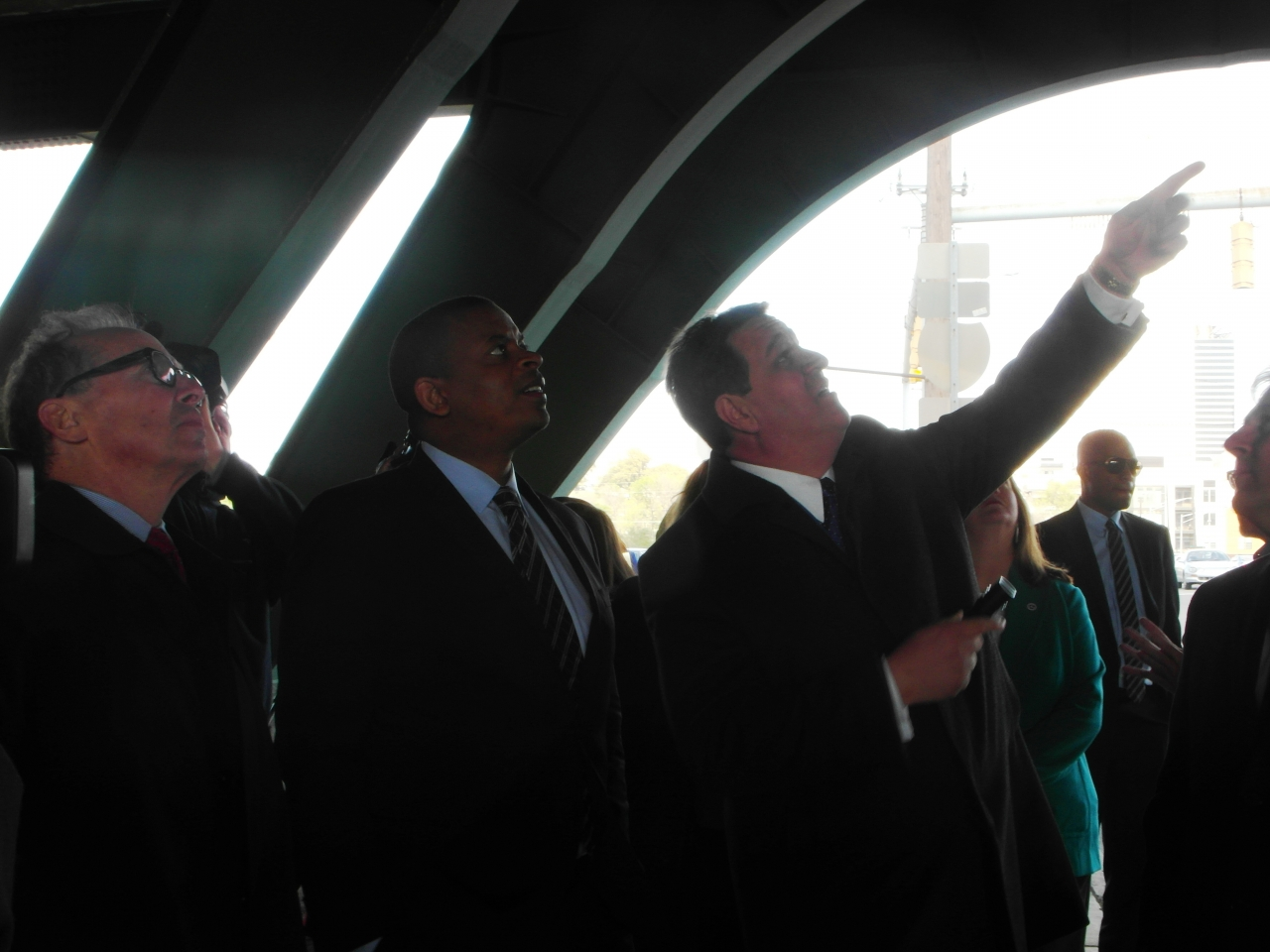 Photo of Secretary Foxx examining bridge in Nashville