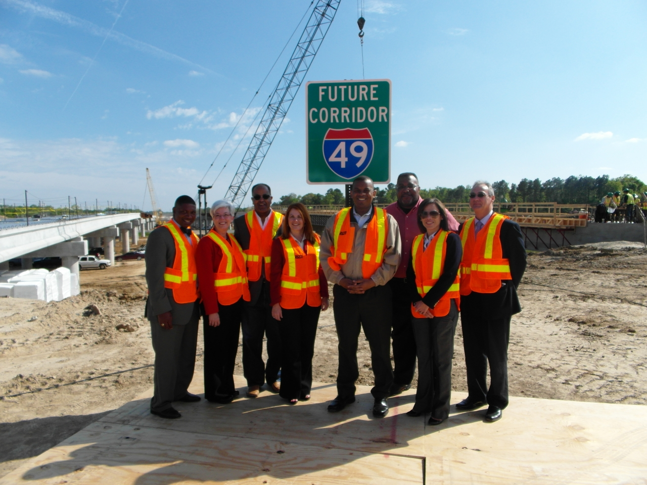 Photo of Secretary Foxx at the I-49 North project event