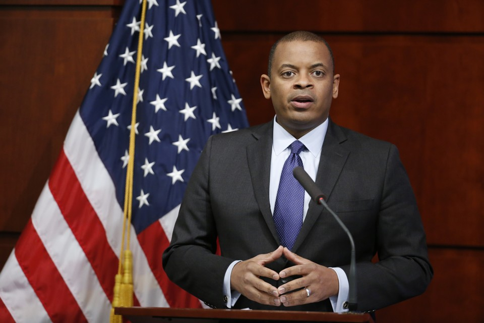 Photo of Secretary Foxx speaking