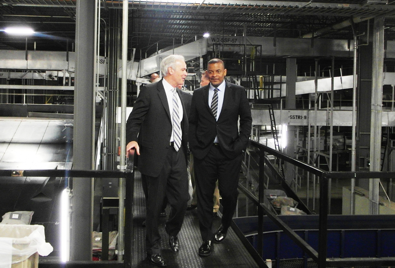 Photo of Secretary Foxx with UPS CEO Scott Davis