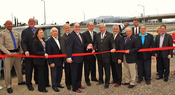 Photo of ribbon cutting for I-215