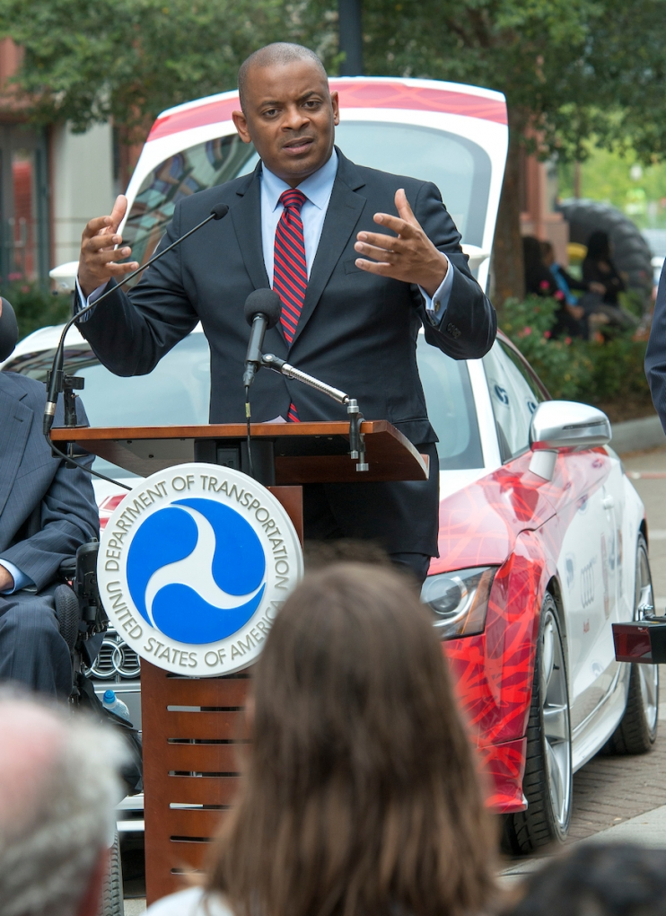Picture of Secretary Foxx at AV event