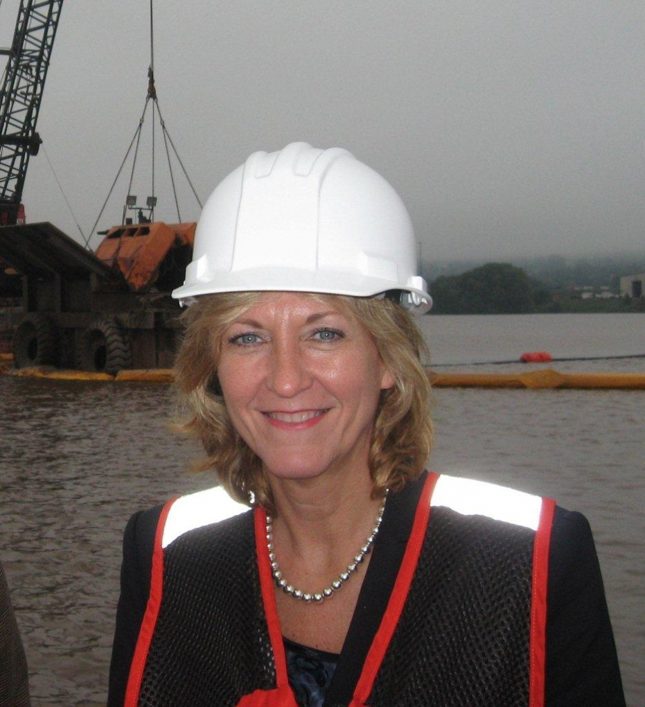 Photo of Betty Sutton