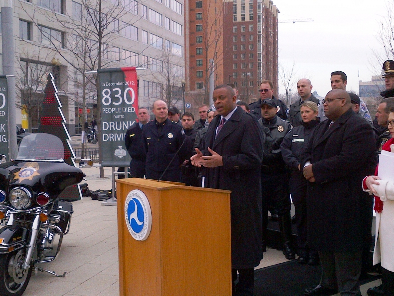 Photo of Secretary Foxx announcing new drunk driving guidelines