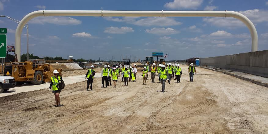 Photo of Secretary Foxx and others touring Tampa road project