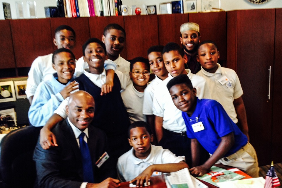 Photo of D.O.T.'s James Cole mentoring students