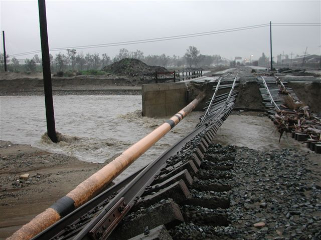 Kinder Morgan pipeline exposure during 2005 California flooding
