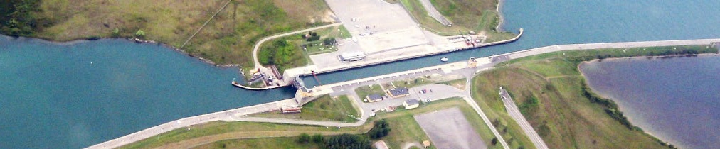 Photo depicting birds-eye view of Seaway lock