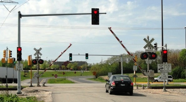 Photo of Metra grade crossing in Illinois