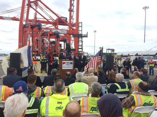 Secretary Foxx at Port Newark