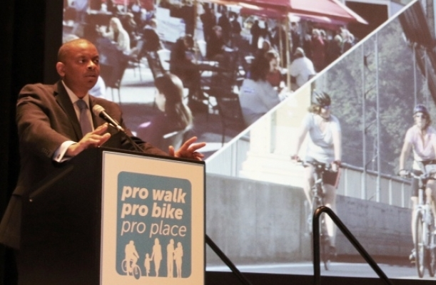 Photo ofSecretary Foxx at Pro Walk Pro Bike Pro Place 2014