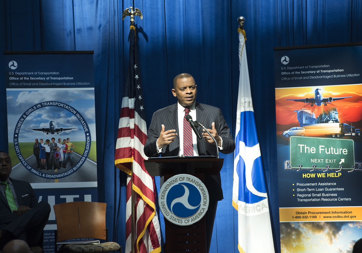 Photo of Secretary Foxx speaking at Small Business Day