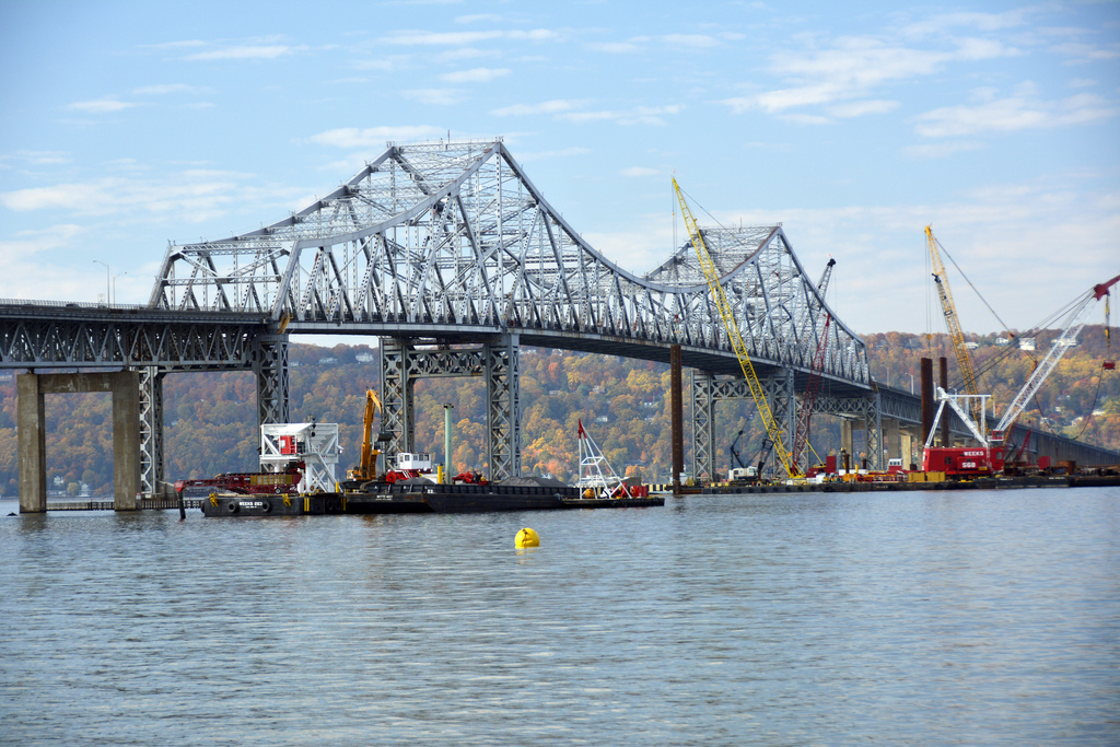 Construction on Tappan Zee Bridge replacement