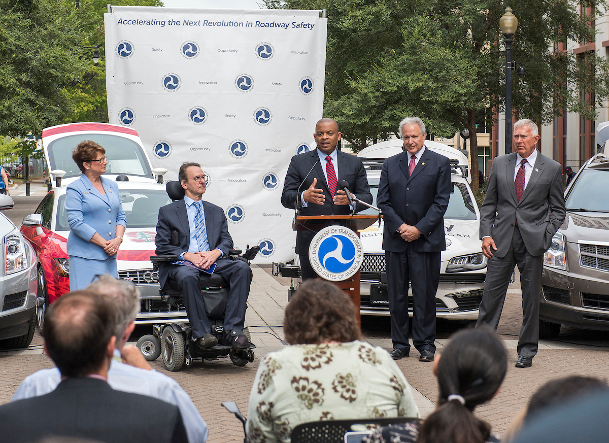 Secretary Foxx announces new federal automated vehicle policy