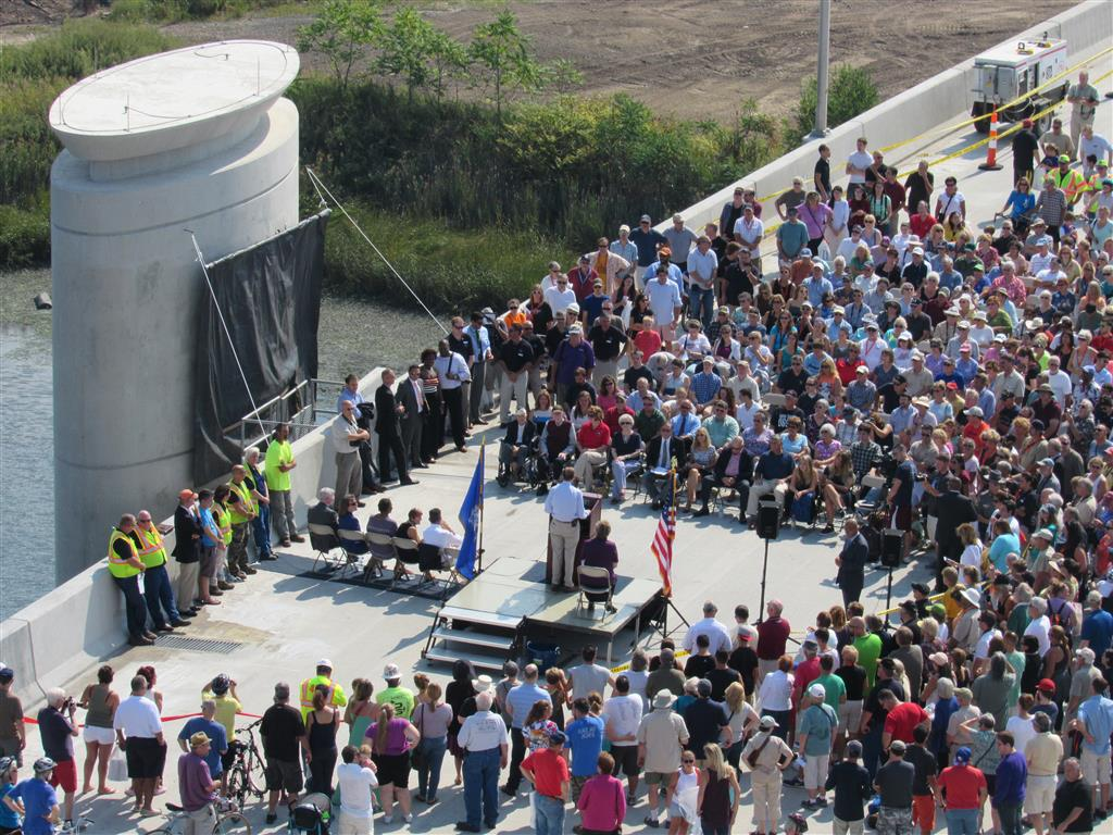 Q bridge opening ceremony