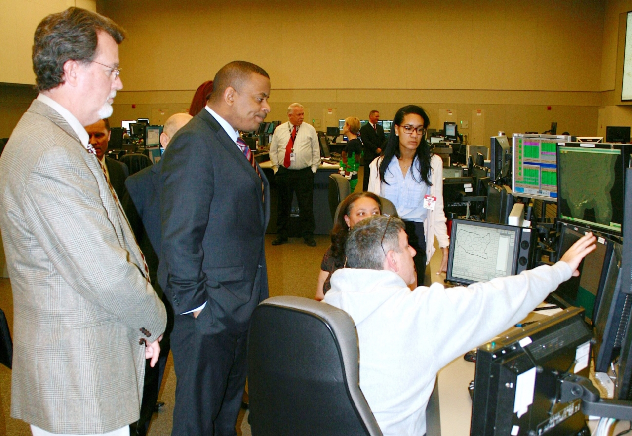 Photoof Secretary Foxx at Command Center