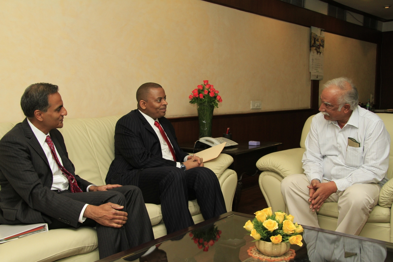 Secretary Foxx meeting with India Aviation Minister Raju