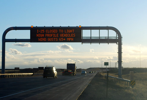 Photo of dynamic highway sign with wind advisory