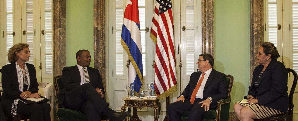 Picture of Secretary Foxx with Cuban Foreign Minister Rodriguez.