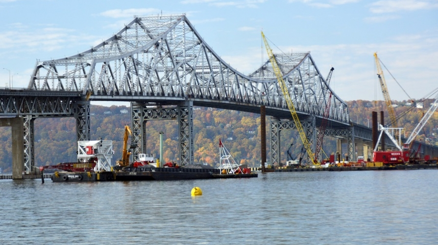 Photo of Tappan Zee Bridge construction work