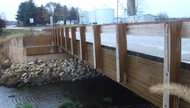 Image of bridge constructed from glulam timber